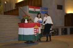 Készülődés az ünnepségre a Grossmünsterben, Szántó-Molnár Teca és Jártó-Kocsis Emőke