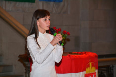 Márai Sándor Mennyből az angyal versét szavalják