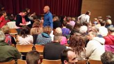 A szülők és a különböző érdeklődők teljesen megtöltötték az iskola előadó termét