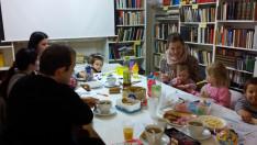 Igazi terülj-terülj asztalkámat varázsoltunk az anyukákkal