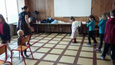 Tóth Zita, strasbougi ösztöndíjas társammal, mi a gyerekek táncoktatásáért feleltünk