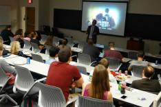 Filmvetítés az egyetemen