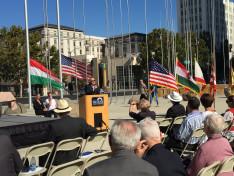 Johnny Khamis San Jose vezetőségi tagja mondott ünnepi beszédet