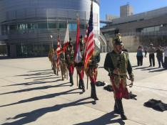 az Első Kaliforniai Huszár Regiment valamint a San Franciscoi cserkészek vonultak be a zászlókkal