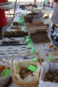 rengeteg féle magyar süteményt kóstolhattak a piknikezők
