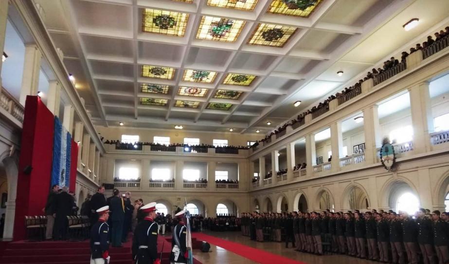 Ünnepélyes tisztavatás az argentin Nemzeti Katonai Akadémián