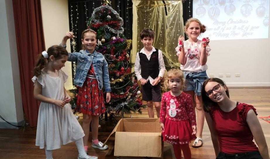 Meglátogatta a Mikulás a gyerekekeket Ausztráliában is