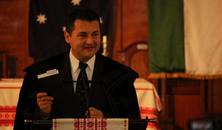Adelaide-ben lelkészként