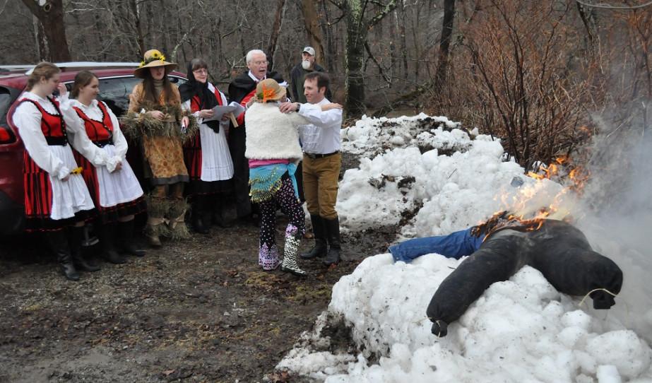 A tél temetése erdélyi népszokás szerint