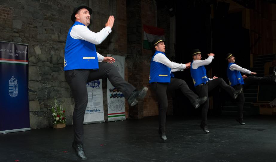 A For4Dance táncosai