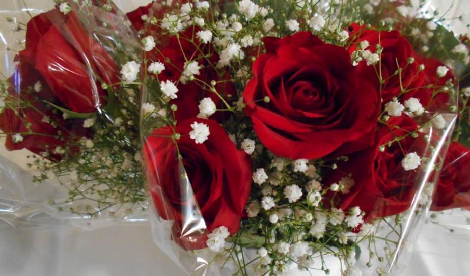 Erzsébet-köszöntő rózsacsokor