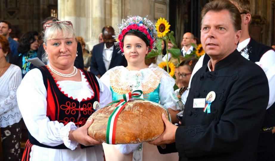 Népek vasárnapja Bécsben a Szent István-székesegyházban