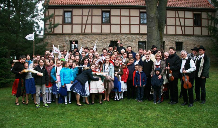 Együtt a csapat a feltámadási mise után