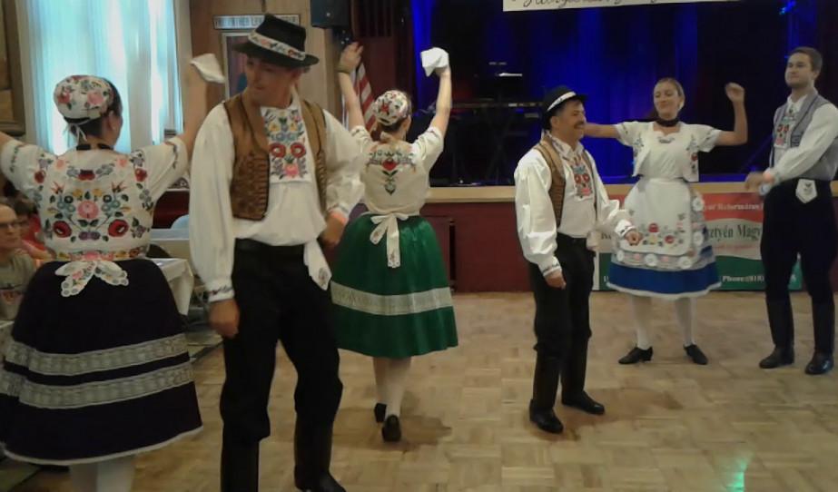 A Kárpátok Néptáncegyüttes fellépése a Magyar Ételek Fesztiválján - Kalocsai Tánc