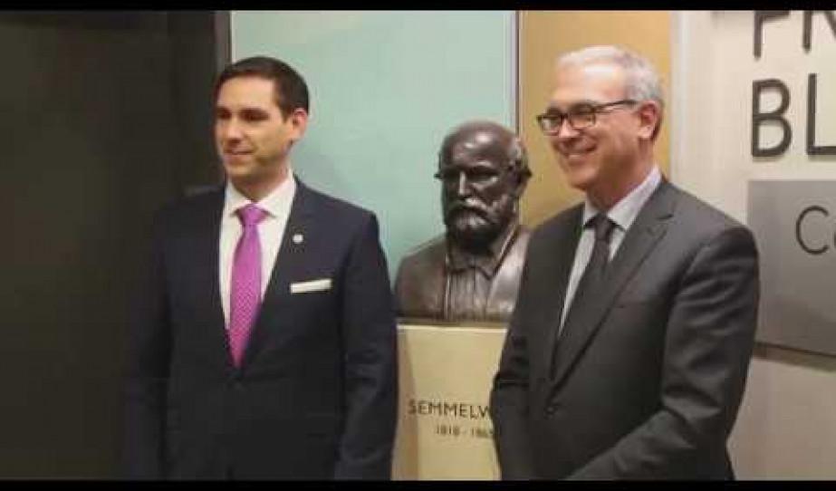 Semmelweis szobrot avattak Torontóban