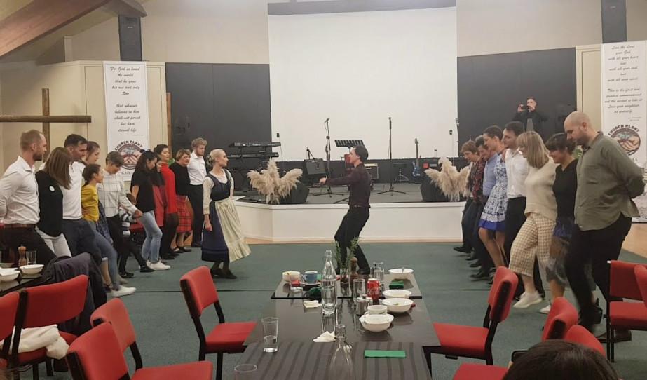 Szent István napi néptánc bemutató és táncház Wellingtonban