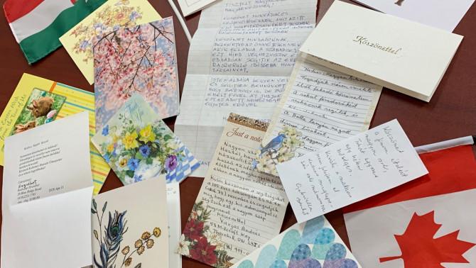 Számtalan üdvözlőkártya érkezett a Magyar Házba