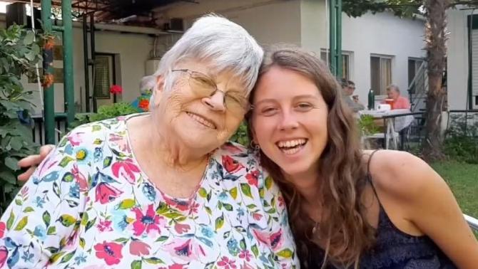 Diana és nagymamája