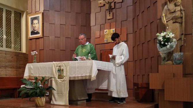 Németh László atya szentmisét celebrál Palermóban