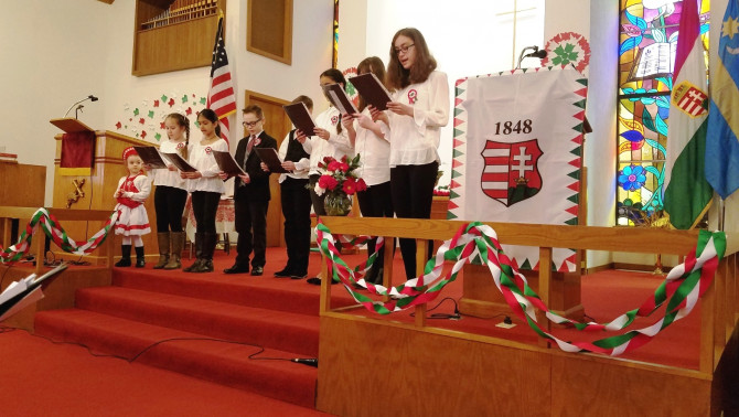 Az evangélikus iskolások fellépése