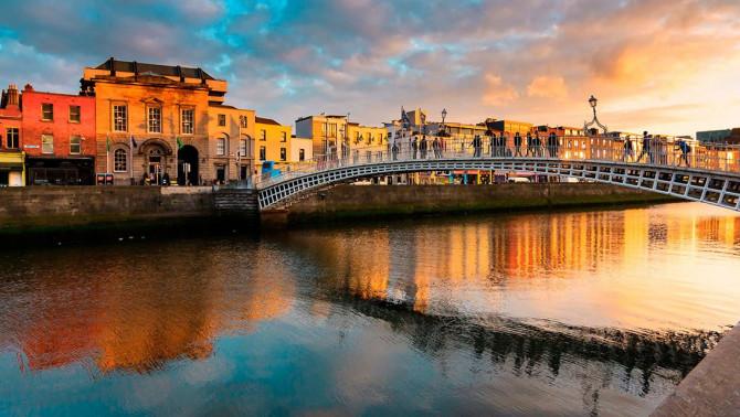 Október Dublinban