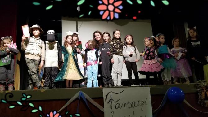 Gyerekek a színpadon