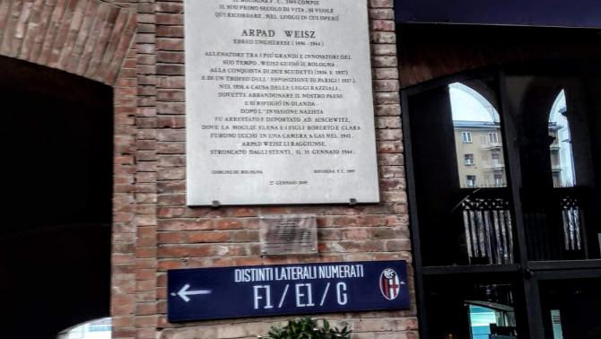 Weisz Árpád emléktáblája Bolognában