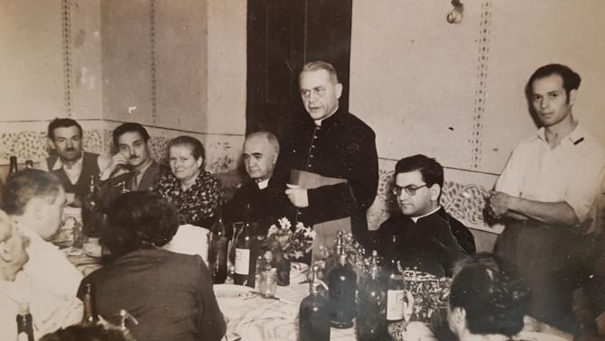 Mons. Luttor Ferenc (1886-1953) Villa Angela-i magyarok körében az 1940-es évek végén