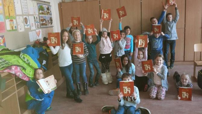 Wörgl-i diákok a Balassi-füzettel