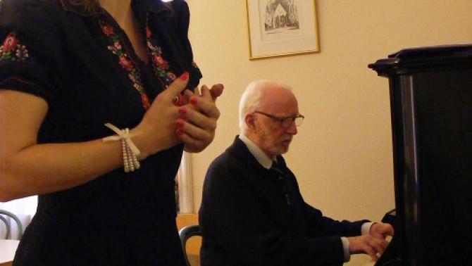 Mokos Imre karmesterrel, zongoraművésszel