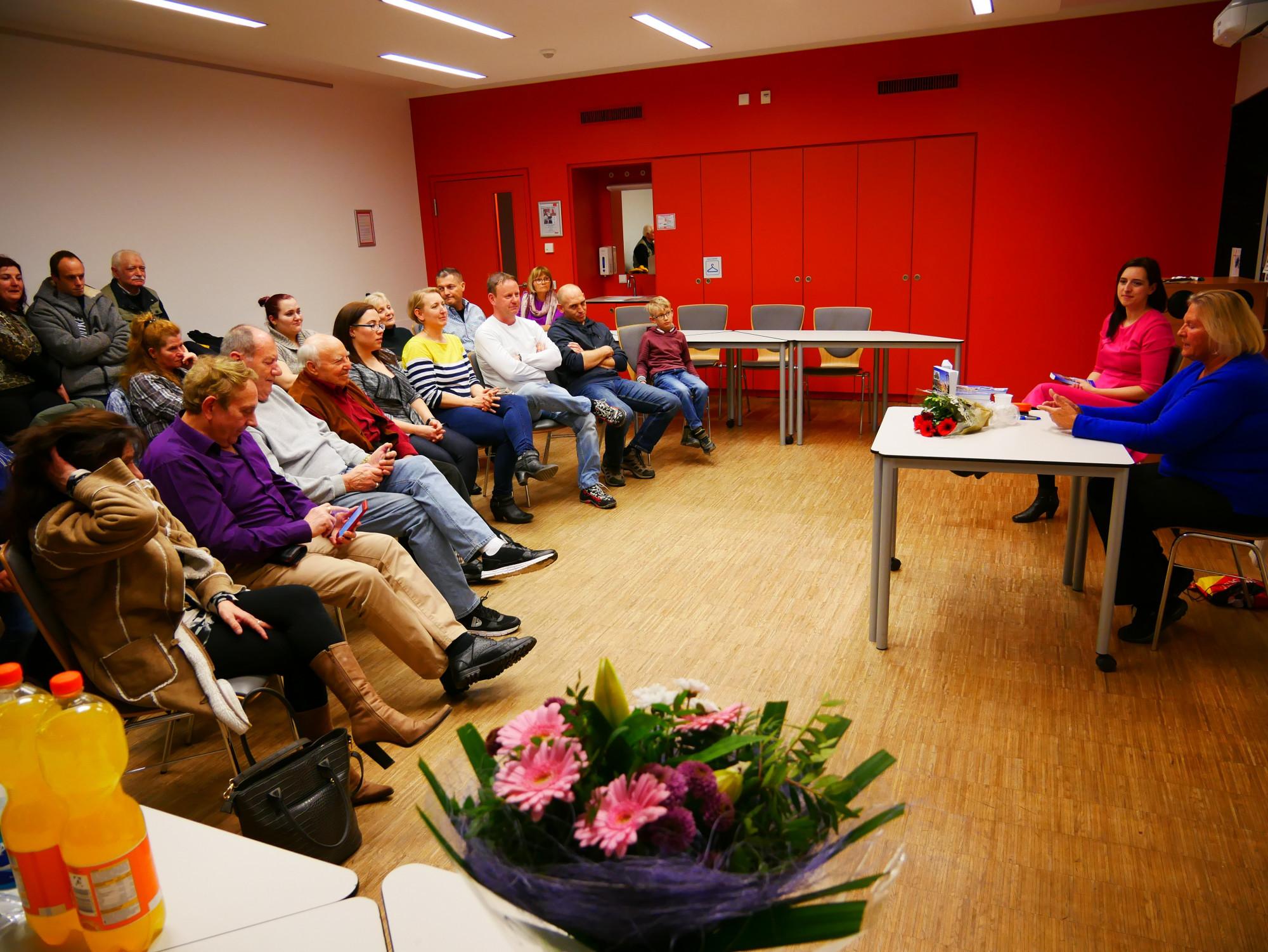 Nőnapi könyvbemutató a Nürnbergi Magyar Kultúregyesület klubestjén