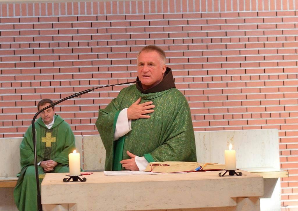 Böjte Csaba testvér buzdítása Münchenben