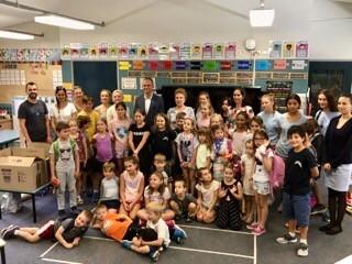 Csoportkép a Sydney-i Magyar Iskolában