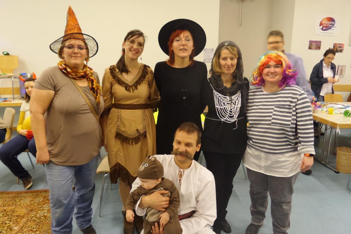 A Nürnbergi Gyermekcsoport önkéntes szervezőivel.